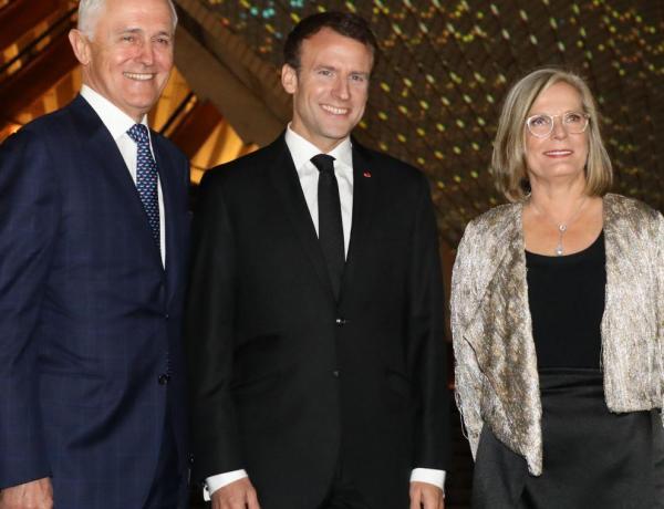 """Oups ! Le """"délicieux"""" lapsus d'Emmanuel Macron sur la femme du Premier ministre australien"""