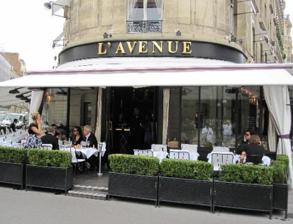 L'Avenue : Le restaurant parisien accusé de pratiques racistes
