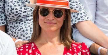 Roland-Garros : Enceinte, Pippa Middleton dévoile son petit ventre arrondi dans les allées du tournoi