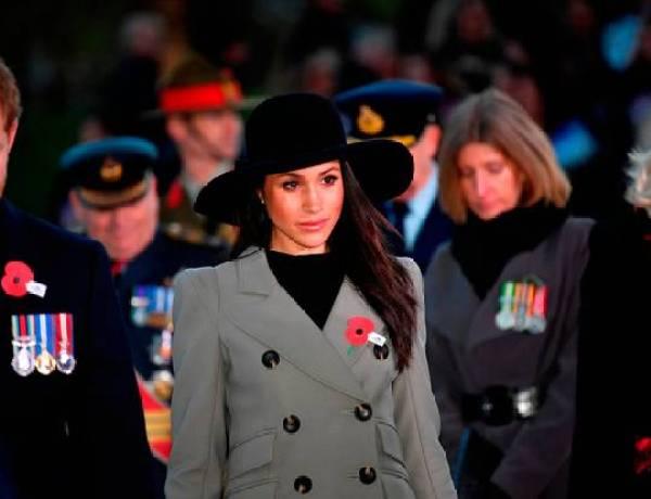 Mariage du prince Harry et de Meghan Markle : Son père opéré, la comédienne sort de son silence