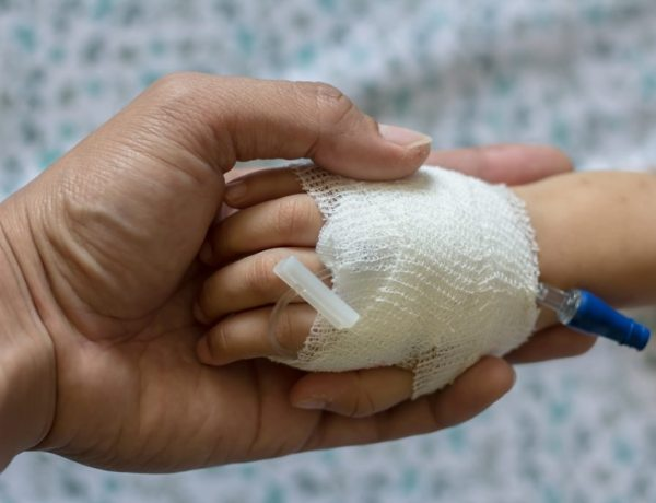 Une infirmière accusée de tentative de meurtre sur quatre nourrissons