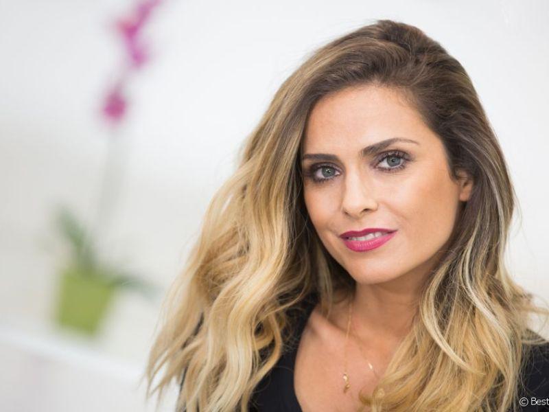 Clara Morgane : Pour son nouveau calendrier sexy, l'animatrice pose un dilemme à ses fans