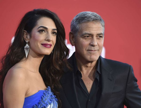 Amal et George Clooney  font un don de 100 000 dollars pour aider les enfants séparés de leurs parents