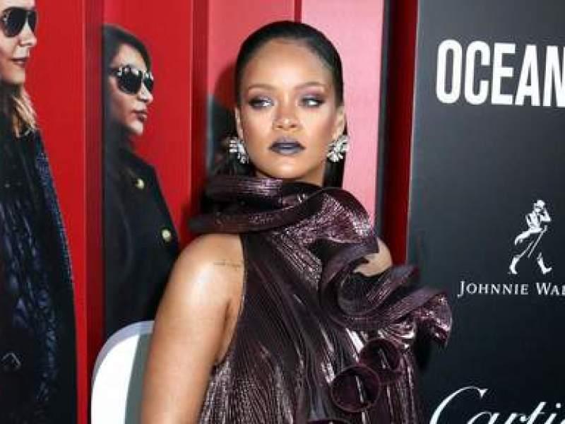 Rihanna en guerre contre son père : Il lui demande de retirer sa plainte