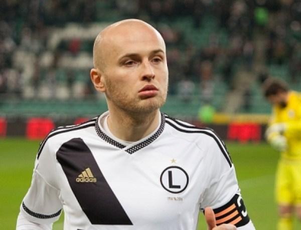 Une journaliste sauvée par un footballeur polonais