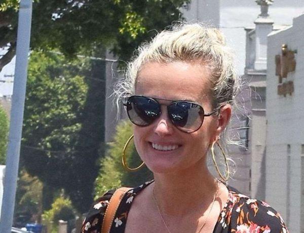 Laeticia Hallyday quitte les Etats-Unis pour prendre des vacances