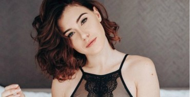 Les Anges 10 : Barbara Opsomer enflamme la Toile avec ses seins nus