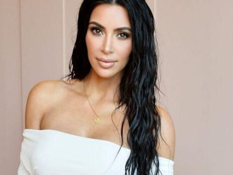Kim Kardashian a des ennuis avec la PETA, découvrez pourquoi !