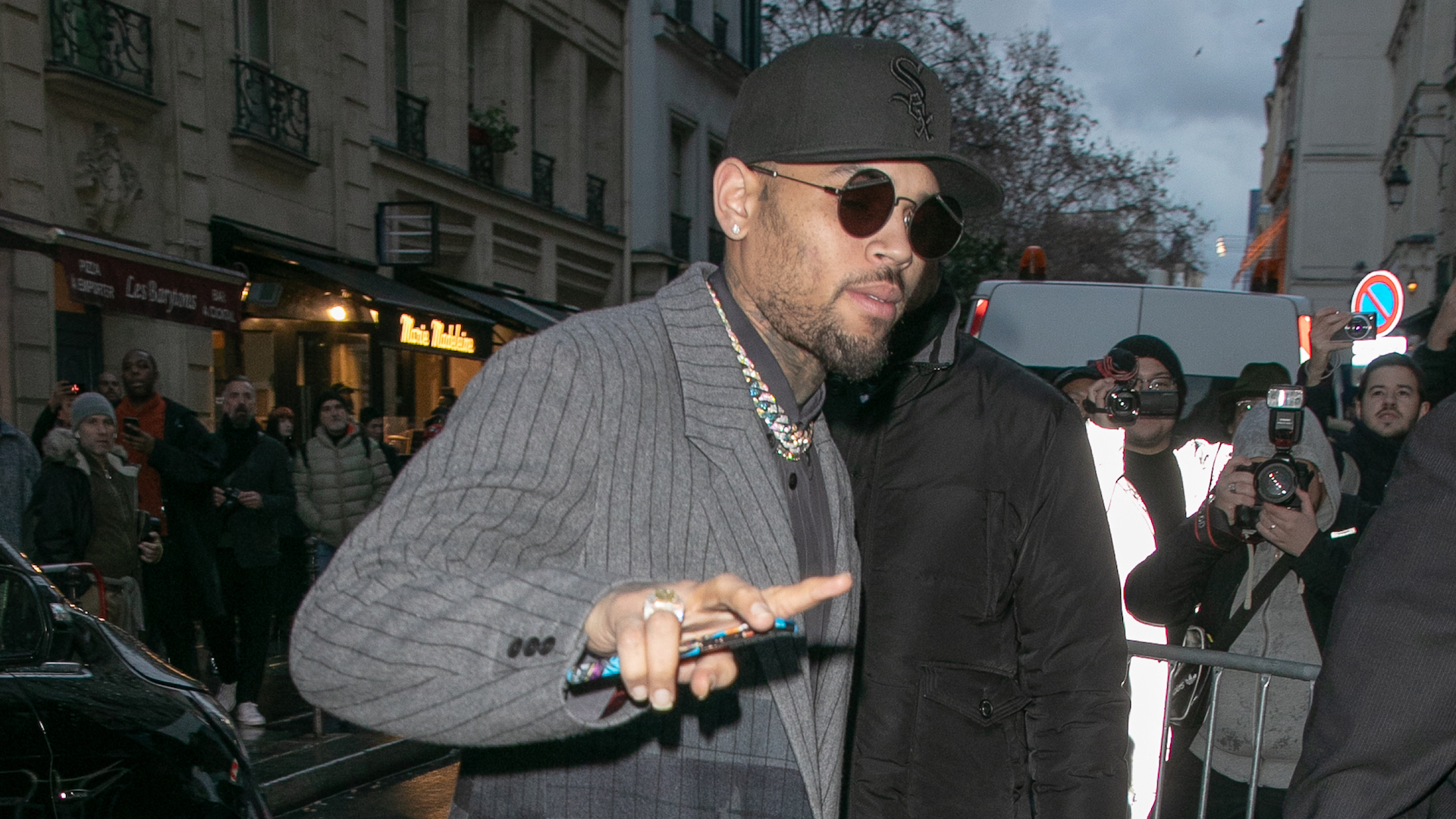 Chris Brown a été convoqué ce matin à Paris — Affaire de viol