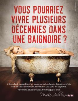 Pamela Anderson Saffiche Nue Dans Une Baignoire Et Ce Pour Un