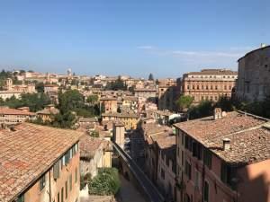Blick über Perugia zur Ausländeruniversität