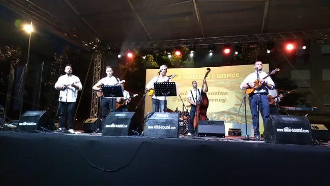 Nastup Tamburaškog sastava na Večeri tamburice u sklopu proslave Dana grada