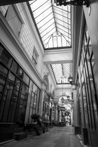 「パサージュのわき道」 (パリ)
