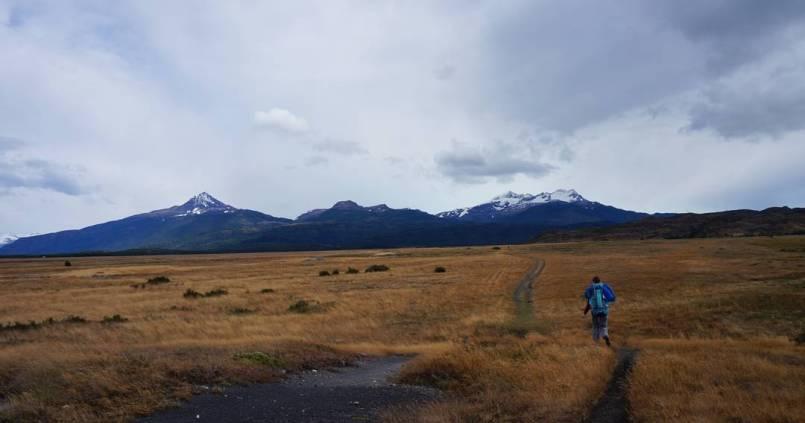 C'est parti pour notre première journée de randonnée à Torres del Paine. Objectif : 5 jours en autonomie. #torresdelpaine 1