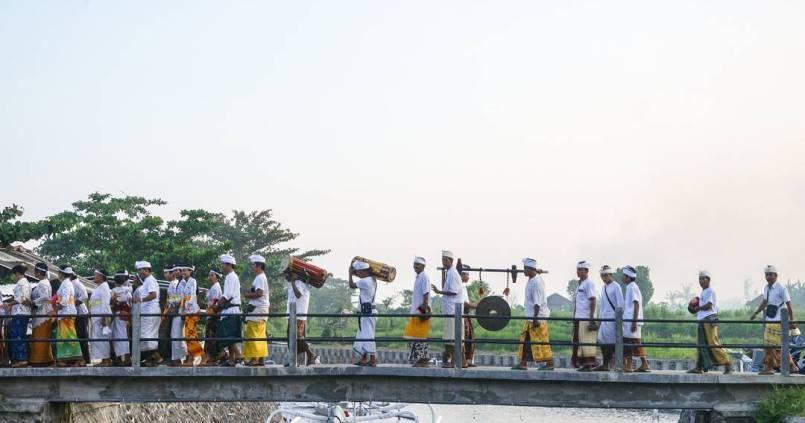 Fête hindou dans un petit village proche d'Amed à Bali. 1