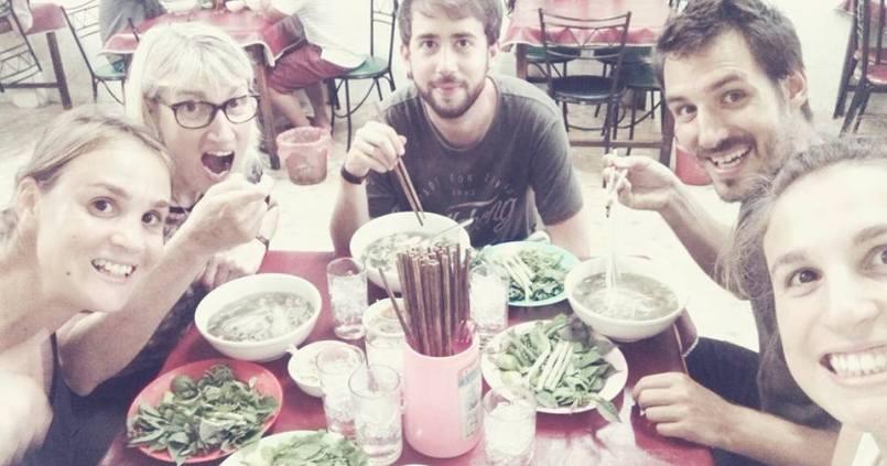 A table ! 5 noodle soups pour la 12 ! 1