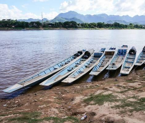 Coucher de soleil au bord du Mekong 13