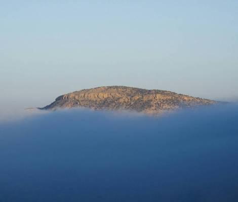 Une île dans les nuages. 11