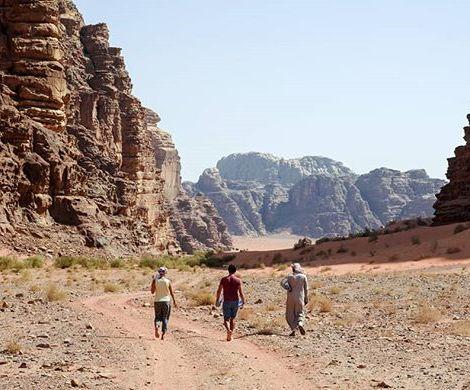 Les Morissettes sur fond de Wadi Rum 😍 #seulesaumonde #jordanie #jordan 9