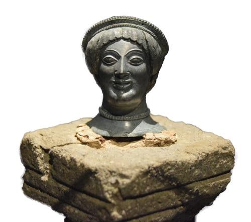 Ce petit bronze daté de -480-490 a été retrouvé à Orvieto sur le campo de la Fierra