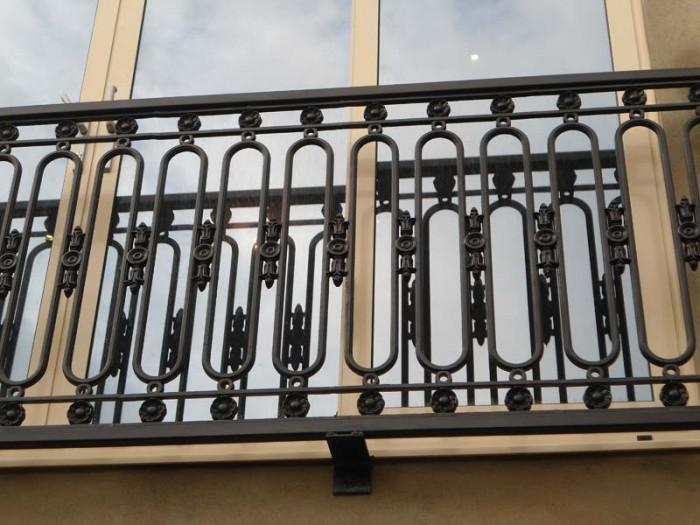 Juliet-Balcony-Chế tạo hơn 60 thiết kế lan can tốt nhất cho ban công Catchier