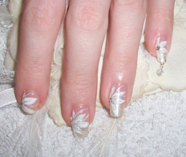 wedding-flowers-nailart-by-neko-crafts What Are the Latest Beauty Trends for 2014?
