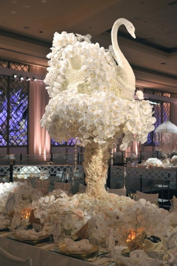 Wedding_Decoration_With_Flower_19 25 Awesome Wedding Decorations in 2014