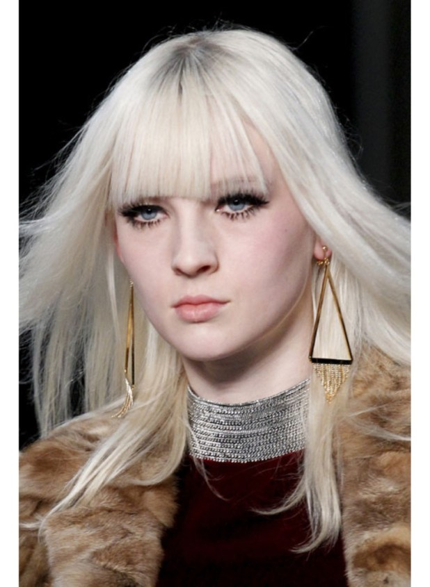 Gold-triangles-at-Saint-Laurent1 Hottest Christmas Jewelry Trends 2015