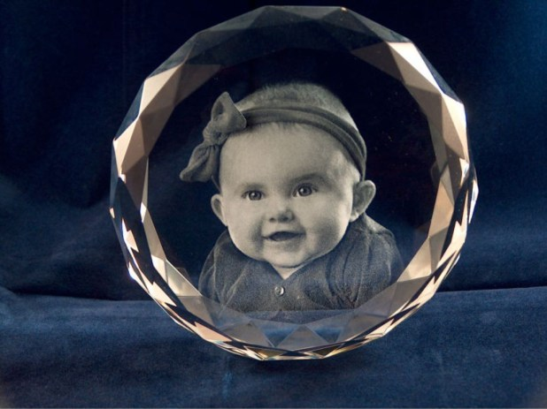 3D-Portraits-in-Glass-32 49 Most Fabulous 3D Portraits in Glass