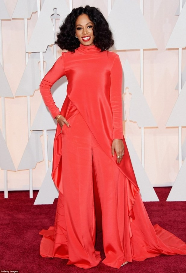 Solange-Knowles-curly-hairstyle The Worst Celebrity Hairstyles in 2015