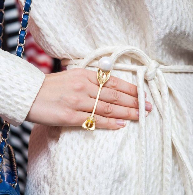 pearls-and-chains-3 The Hottest Jewelry Trends for Women in 2016