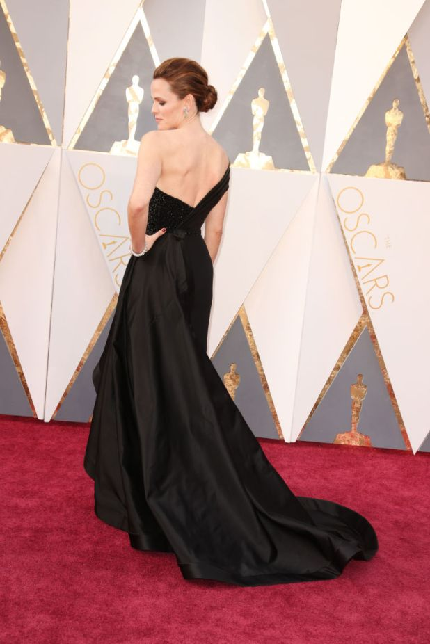 gallery-1456706715-gettyimages-512917904 Top Best 5 Red Carpet Looks in The 88th Academy Award