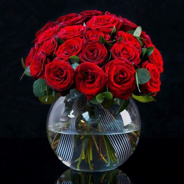 clean-your-vases-5 7 Tricks to Make Flowers Last forever ...