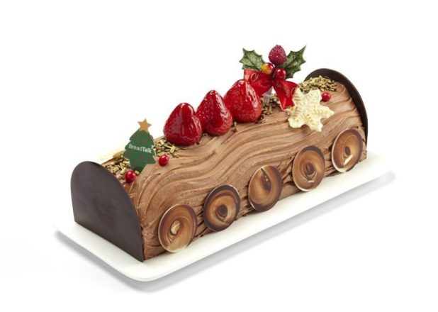 Christmas-Cake-Decoration-Ideas-2017-68 82 Mouthwatering Christmas Cake Decoration Ideas 2017