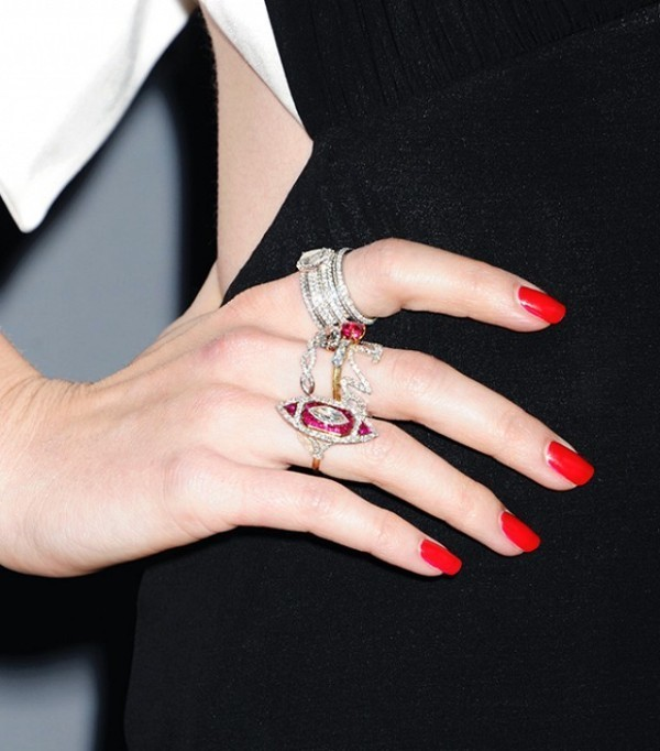 multiple-rings-on-one-hand-4 23 Most Breathtaking Jewelry Trends in 2017
