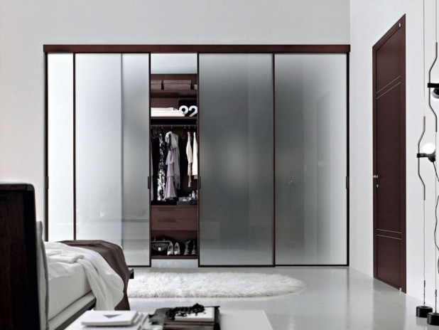 Frosted-windows-wardrobe2-675x507 6 Brilliant Designs of Bedroom Wardrobes
