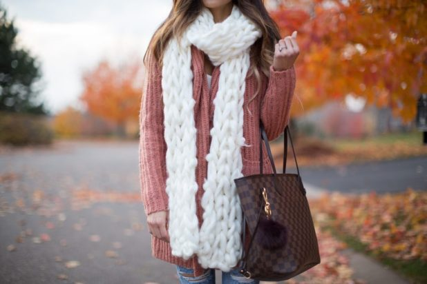 Thick-Knit-Scarf2 22 Scarf Trend Forecast for Fall & Winter 2017
