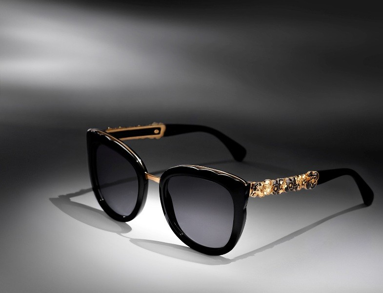 embellished-sunglasses-11 11 Hottest Eyewear Trends for Men & Women 2017