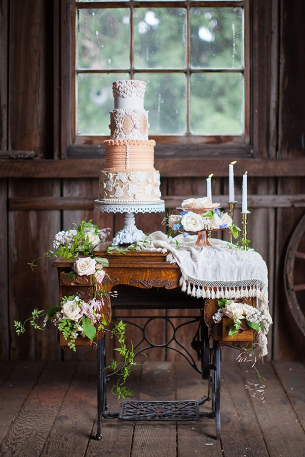 Cake-Table2 10 Best Ideas For Outdoor Weddings in 2017