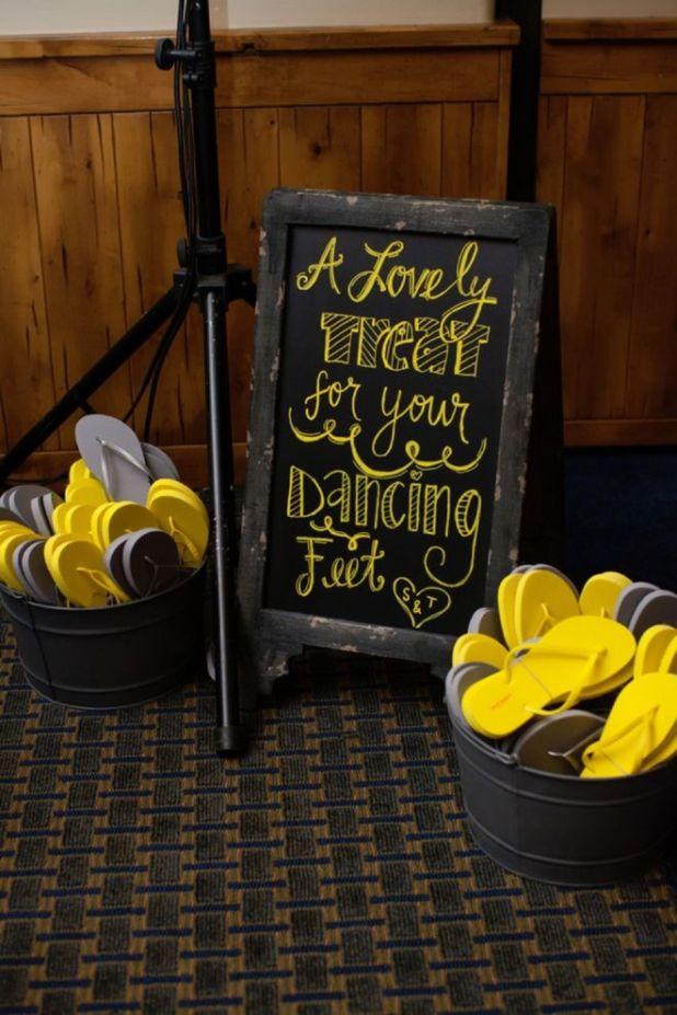 Flip-Flops5 10 Best Ideas For Outdoor Weddings in 2017
