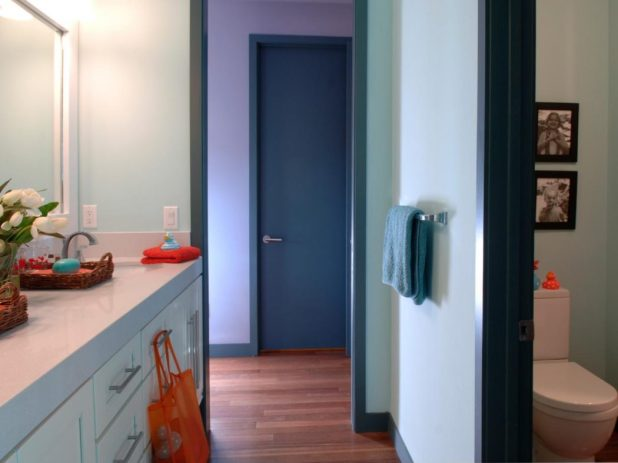 Jack-and-Jill-bathroom2-675x506 5 Bathroom Designs of kids' Dreams