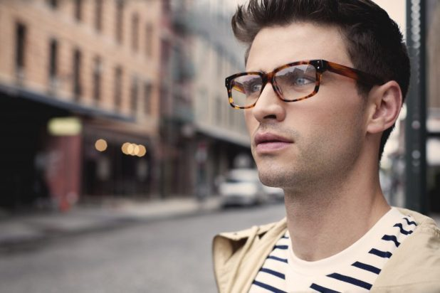 tortoise-shell-glasses-for-guys-675x450 20+ Eyewear Trends of 2017 for Men and Women