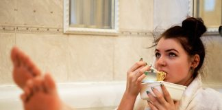 what-is-emotional-eating-and-how-to-combat-it