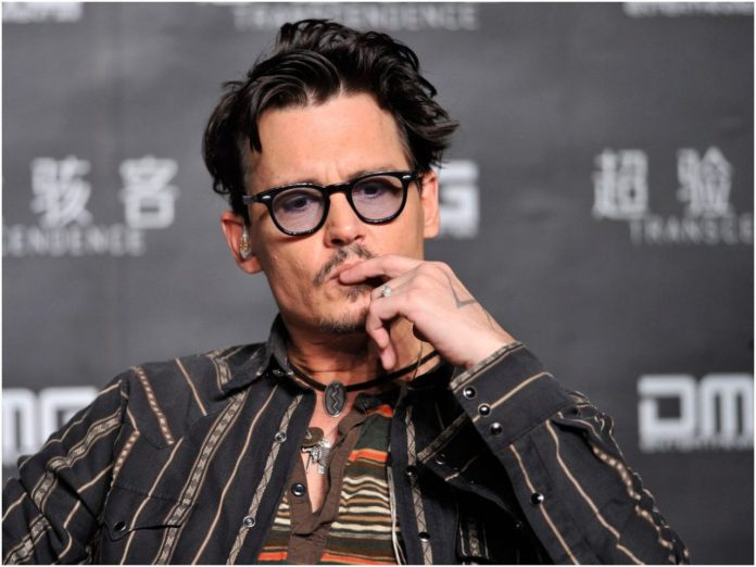 the-hollywood-reporter-calls-johnny-depp-impossible-to-work-with