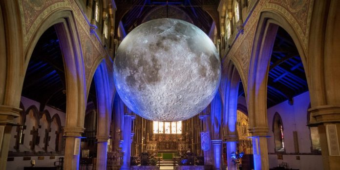 museum-of-the-moon-follow-the-floating-moon-all-over-the-world