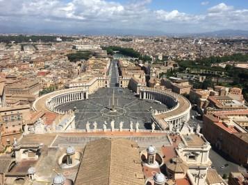 Výhľad úplne zhora kupoly