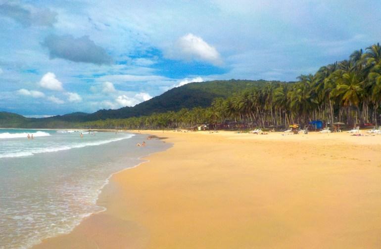 Pláž Nacpan (Nacpan beach), El Nido, Filipíny