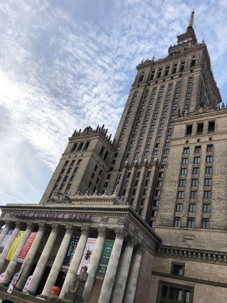 Palac Kultury i Nauki, Varšava - typická stalinistická architektúra, pri ktorej sa bežný človek má cítiť malý a bezvýznamný :)