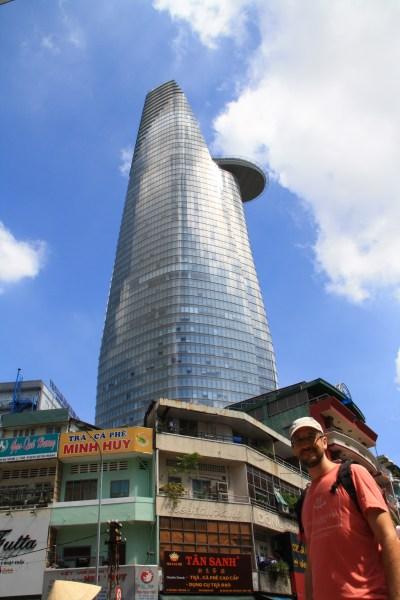 Najvyššia budova Ho Chi Minh City pripomínajúca národný kvet Vietnamu - lotus