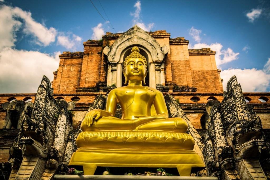 Chrám Wat Chedi Luang v meste Chiang Mai